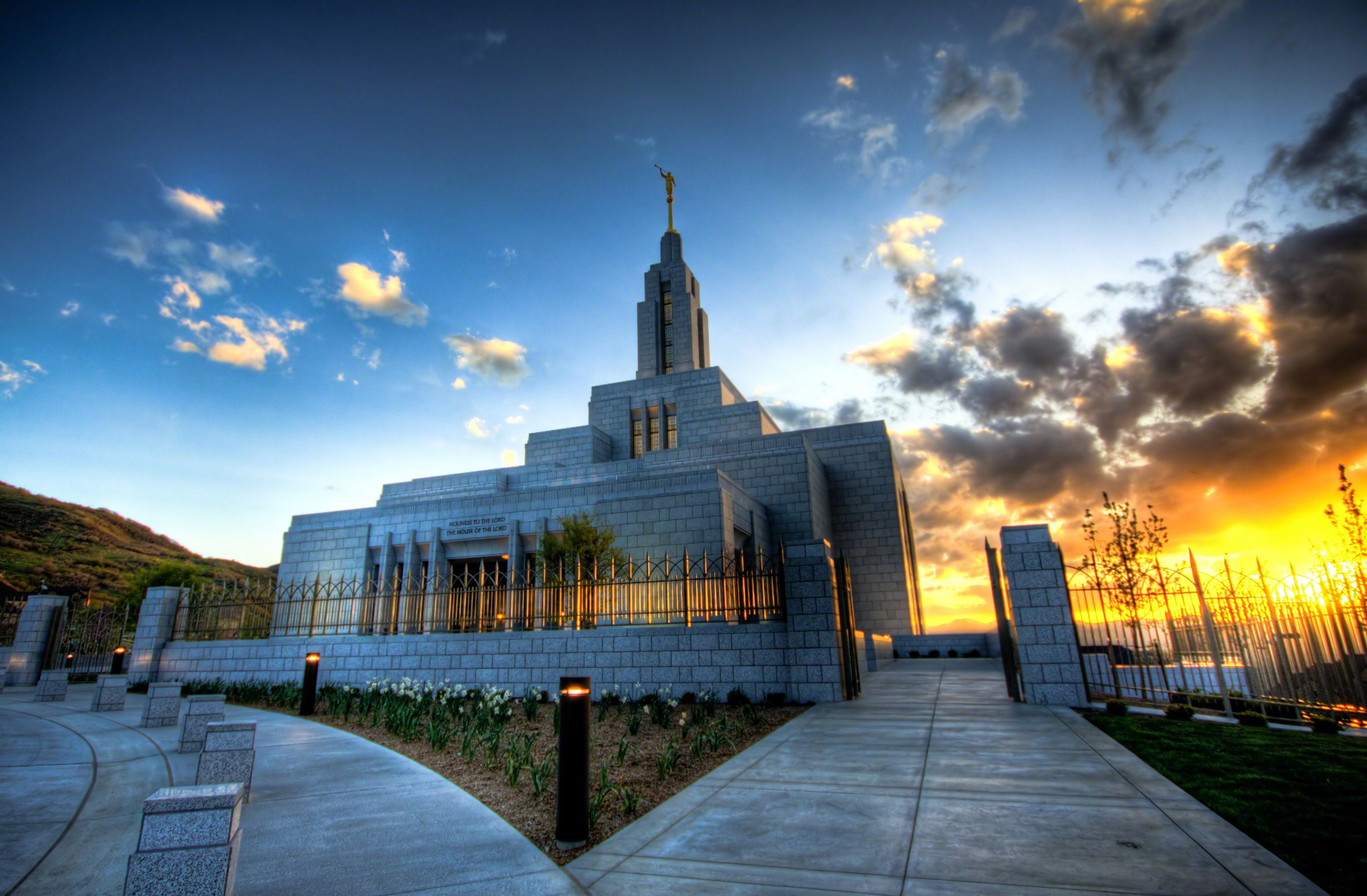 10 breathtaking temples from around the world byu i scroll - Lds temple wallpaper ...